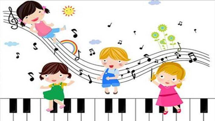 niños jugando música