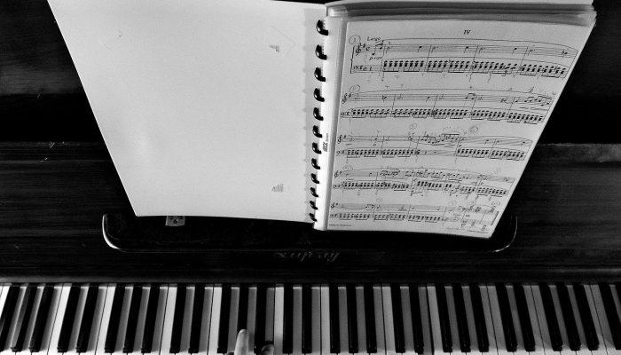 piano-926851_1280